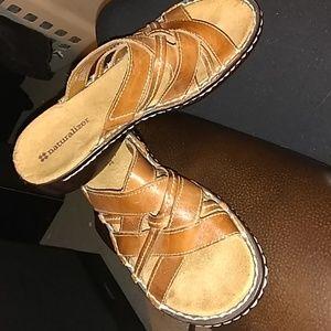 Excellent condition Naturalizer shoes size 6.5